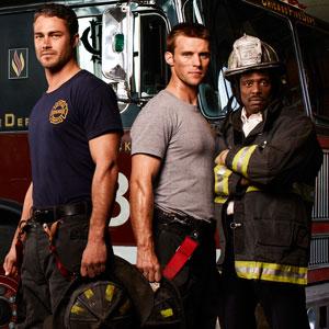 Calendario Pompieri Americani.Chicago Fire Tipo Er Ma Con I Pompieri Serial Minds
