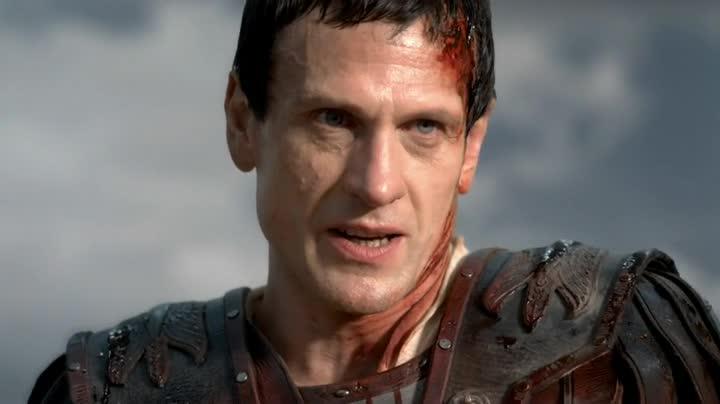 Reino Maldito — Capítulo #10 Parte 1 (La Caída del Tirano) Spartacus-finale-Crasso
