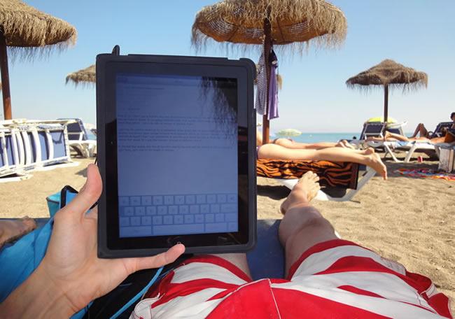 ipad-on-the-beach