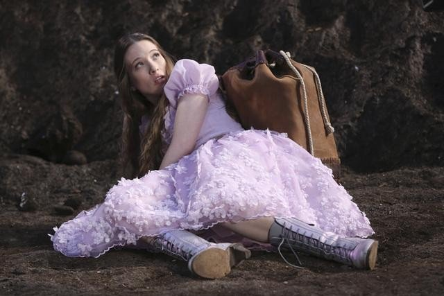 Once Upon a Time in Wonderland (3)