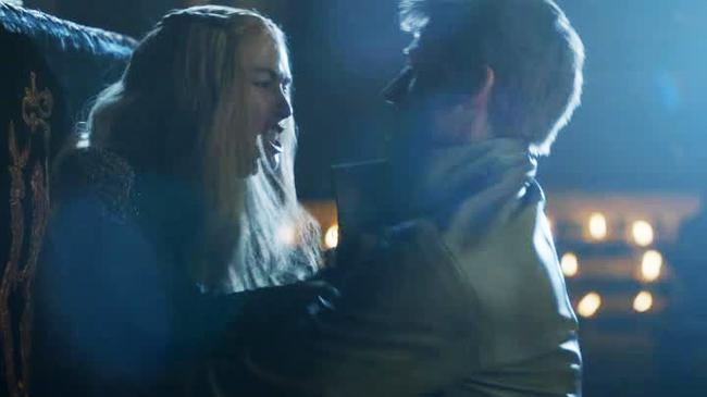 Game of Thrones - Stupro gemelli