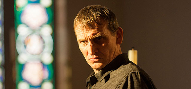 christopher-eccleston-as-reverend-matt-jamison-in-the-leftovers