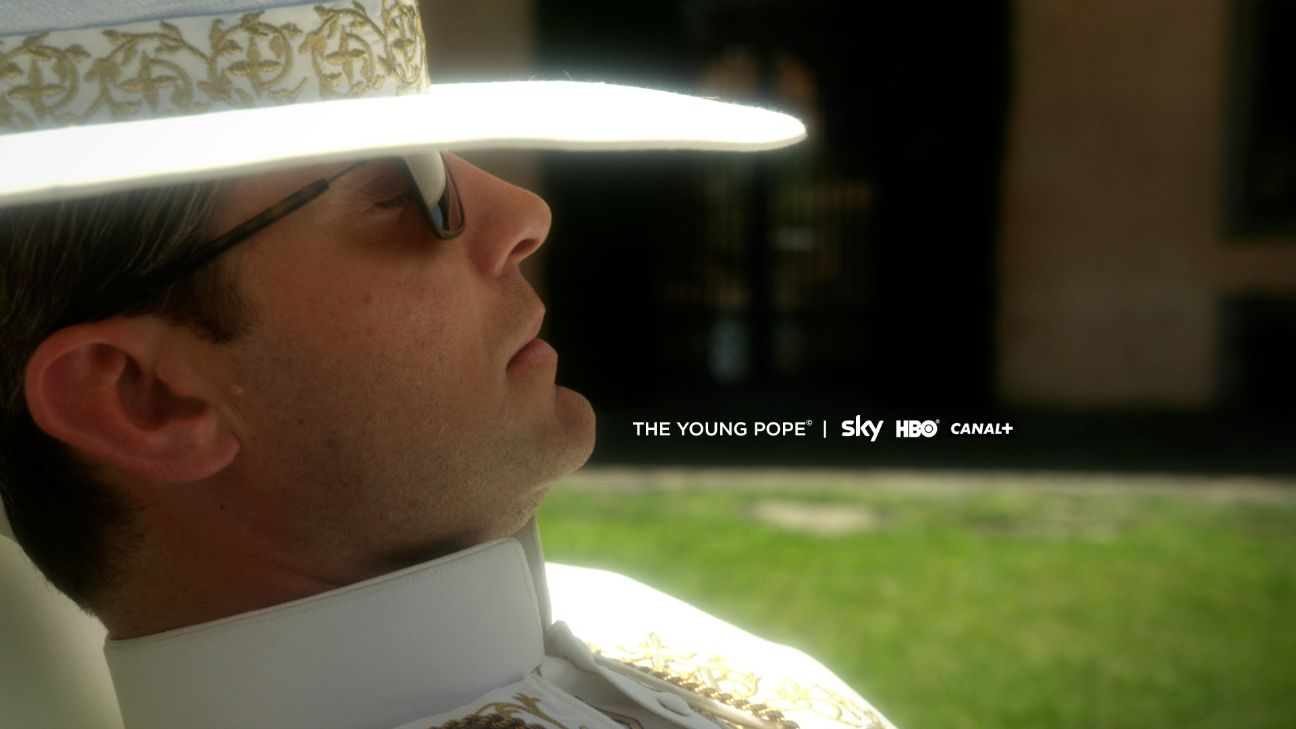 The Young Pope (4)