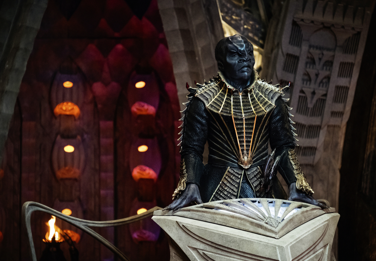 Pictured: Chris Obi as T'Kuvma. STAR TREK: DISCOVERY coming to CBS All Access. Photo Cr: Jan Thijs. © 2017 CBS Interactive. All Rights Reserved.