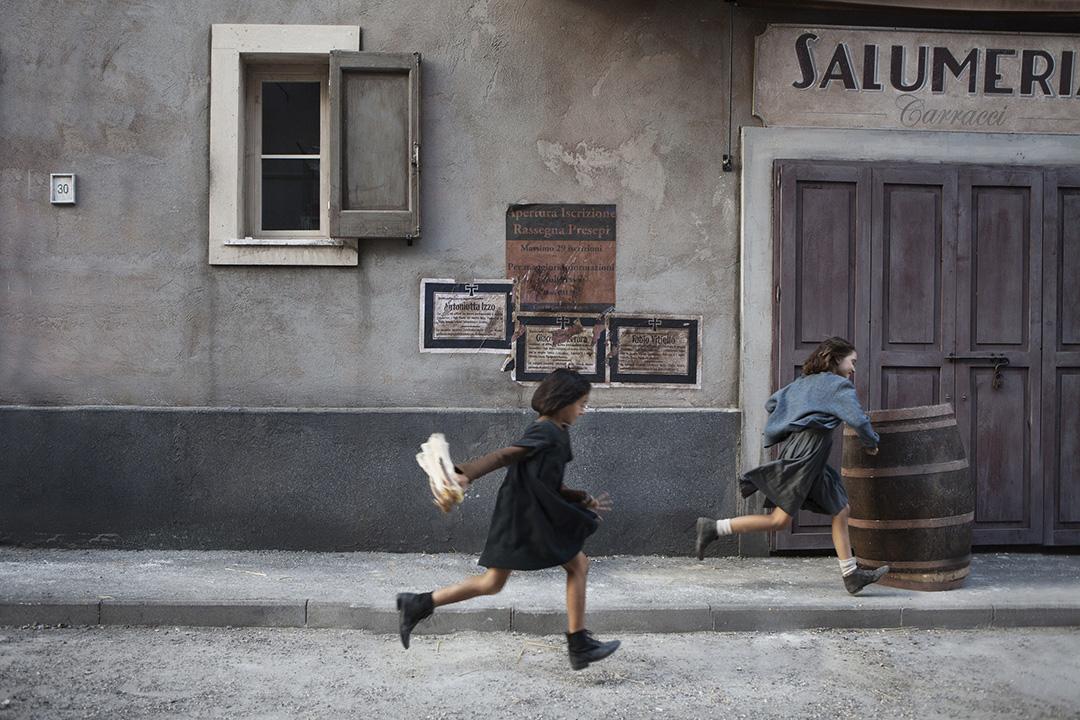 MBF_from-left,-Ludovica-Nasti-(young-Lila)-&-Elisa-Del-Genio-(young-Elena)_photo-by-Eduardo-Castaldo