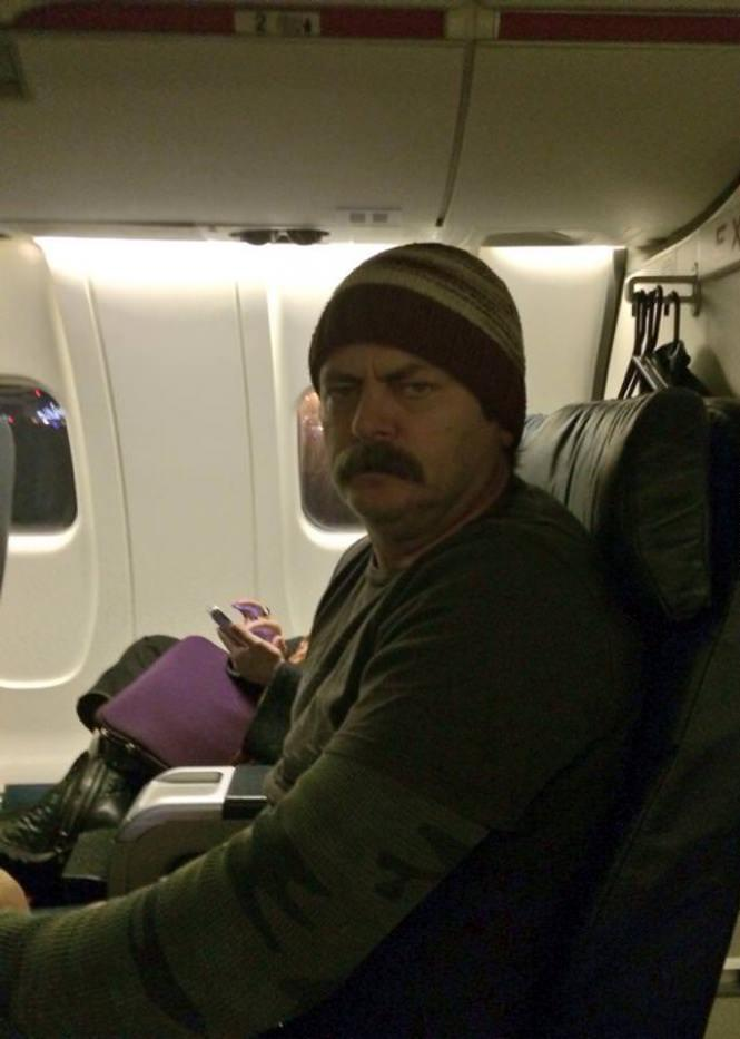 Nick Offerman in aereo