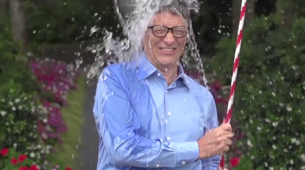 ice-bucket-challenge-bill-gates-2-600x335