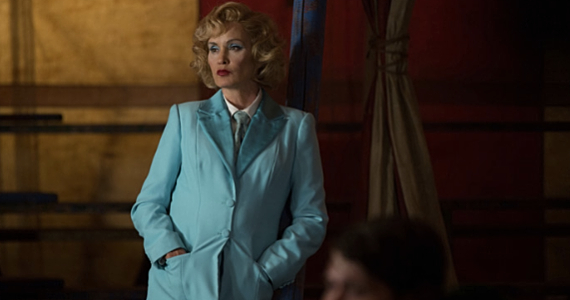Jessica-Lange-in-AHS-Freak-Show-episode-2