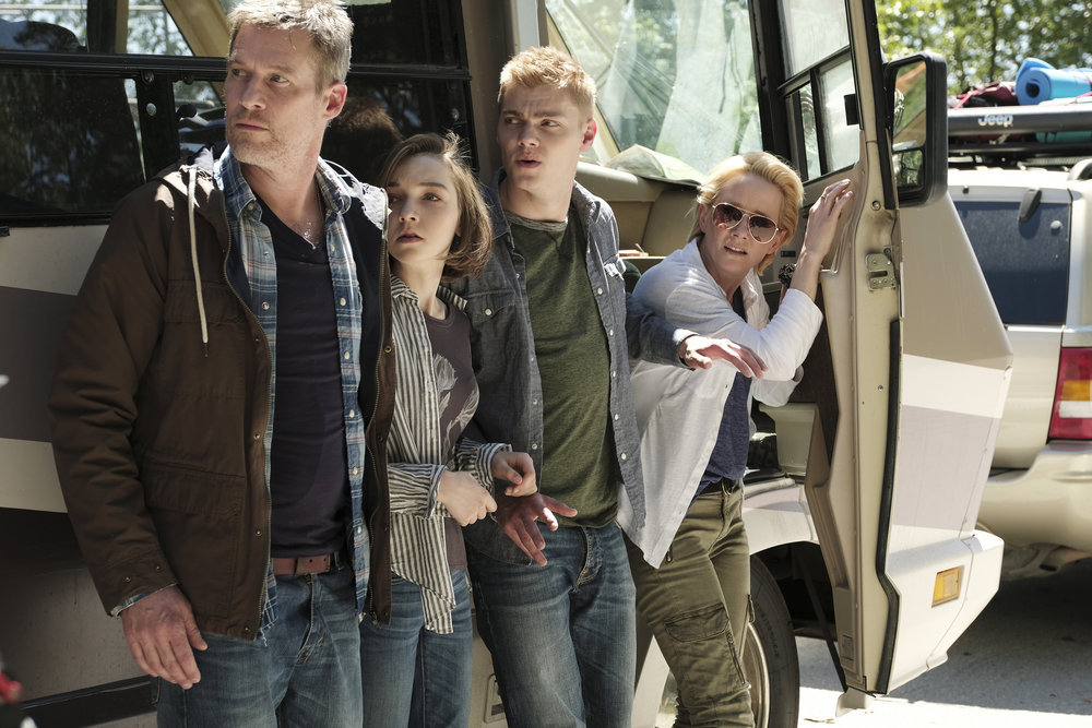 """AFTERMATH -- """"RVL 6768"""" Episode 101 -- Pictured: (l-r) James Tupper as Joshua Copeland, Julia Sarah Stone as Dana Copeland, Anne Heche as Karen Copeland -- (Photo by: Eike Schroter/Aftermath ULC/Syfy)"""