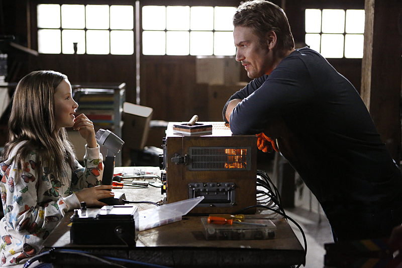 """Frequency -- """"Pilot"""" -- Image Number: FRQ101h_0129.jpg -- Pictured (L-R): Ada Breker as Young Raimy and Riley Smith as Frank -- Photo: Bettina Strauss /The CW -- © 2016 The CW Network, LLC. All rights reserved."""