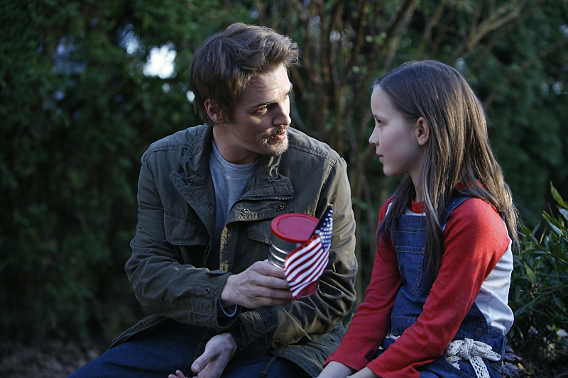 """Frequency -- """"Pilot"""" -- Image Number: FRQ101c_0144.jpg -- Pictured (L-R): Riley Smith as Frank and Ada Breker as Young Raimy -- Photo: Bettina Strauss/The CW -- © 2016 The CW Network, LLC. All rights reserved."""
