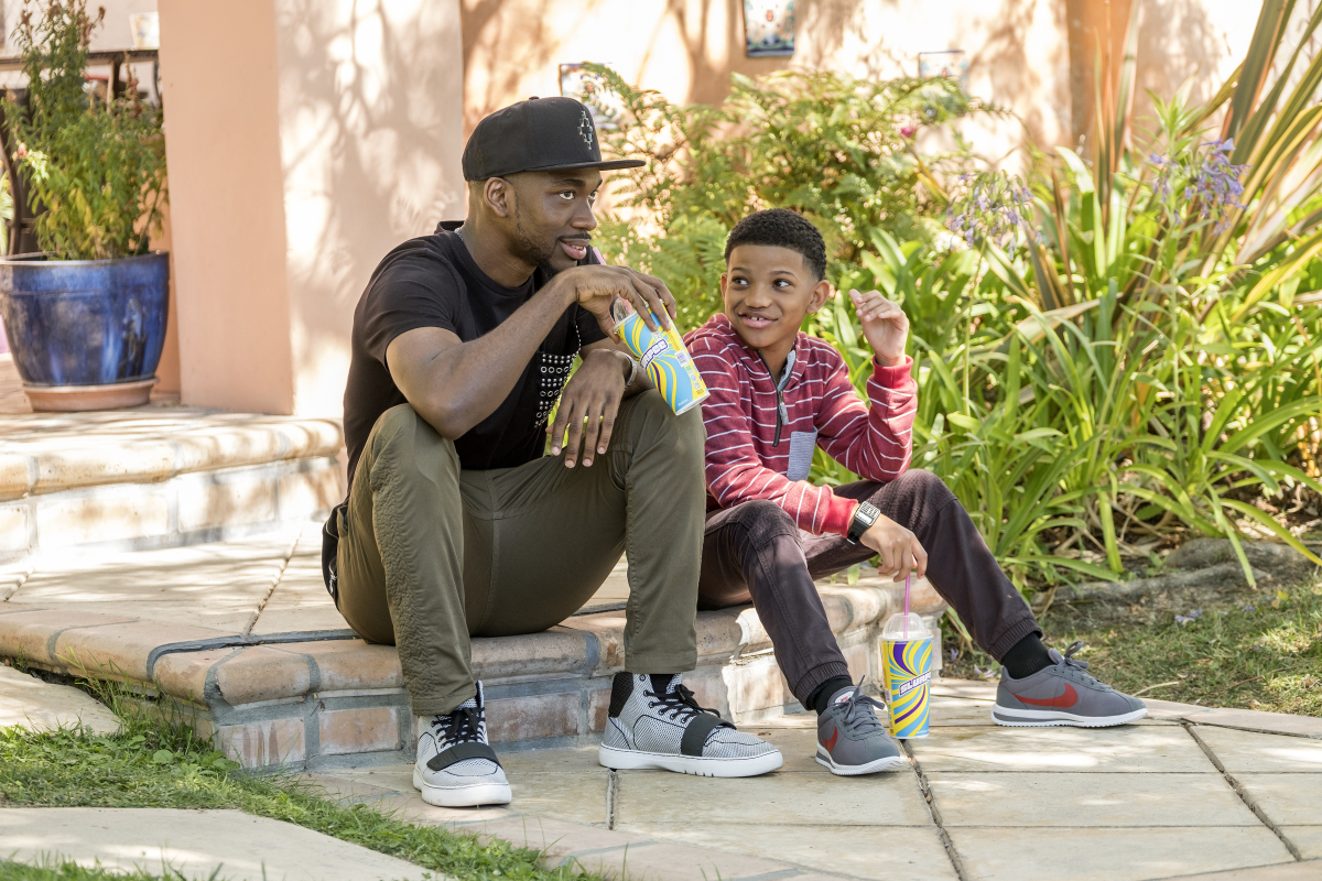 Jay Pharoah as Floyd and Lonnie Chavis as Trevor in WHITE FAMOUS (Season 1, Episode 3). - Photo: Eddy Chen/SHOWTIME - Photo ID: WhiteFamous_103_0266